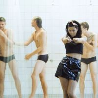 "Singing In The Shower: Marina & The Diamonds // ""How To Be A Heartbreaker"" Video"