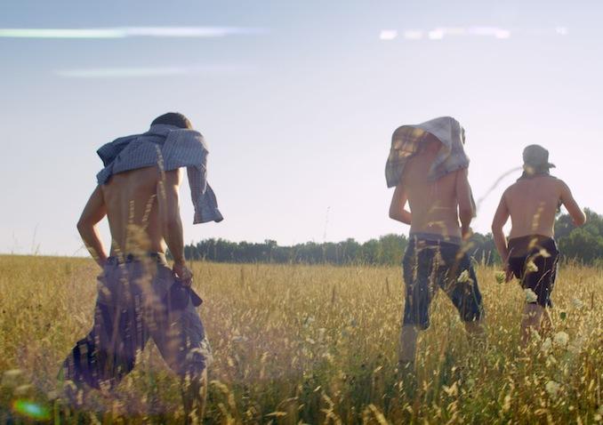 kings-of-summer-shirtless