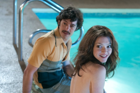 amanda-seyfried-adam-brody-lovelace-pool