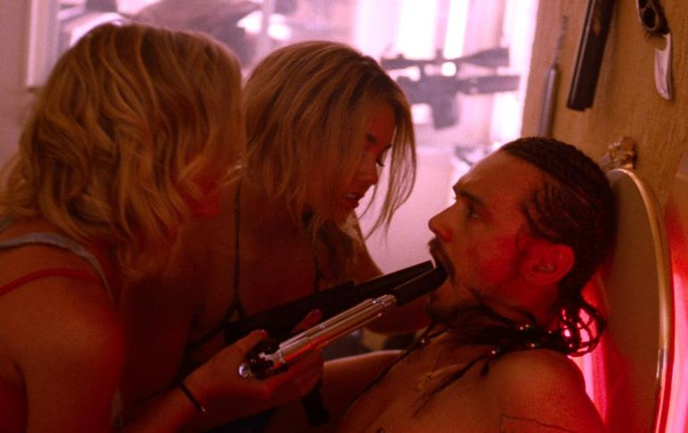 spring-breakers-james-franco-vanessa-hudgens-ashley-benson-gun-blow-job