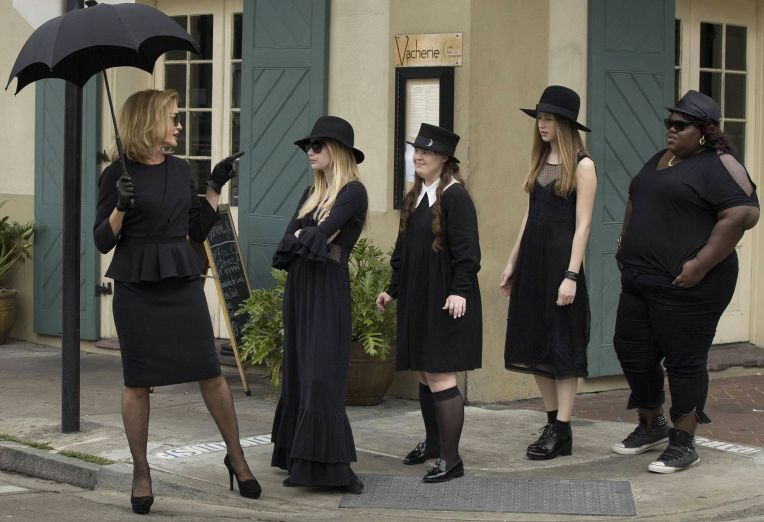 american-horror-story-coven-jessica-lange-emma-roberts-black
