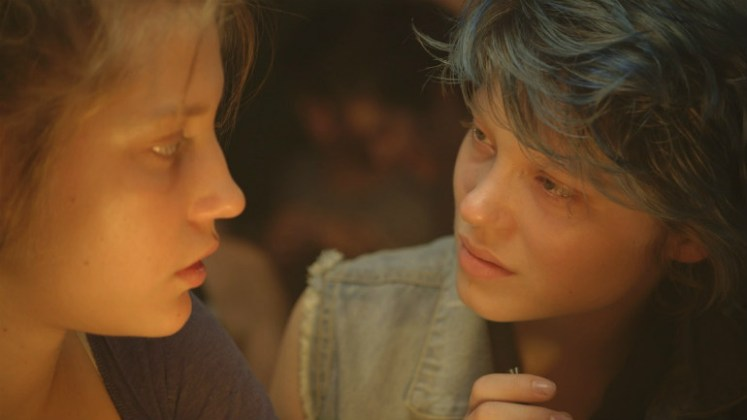 blue-is-the-warmest-adele-exarchopoulos-lea-seydoux-lesbian-sex
