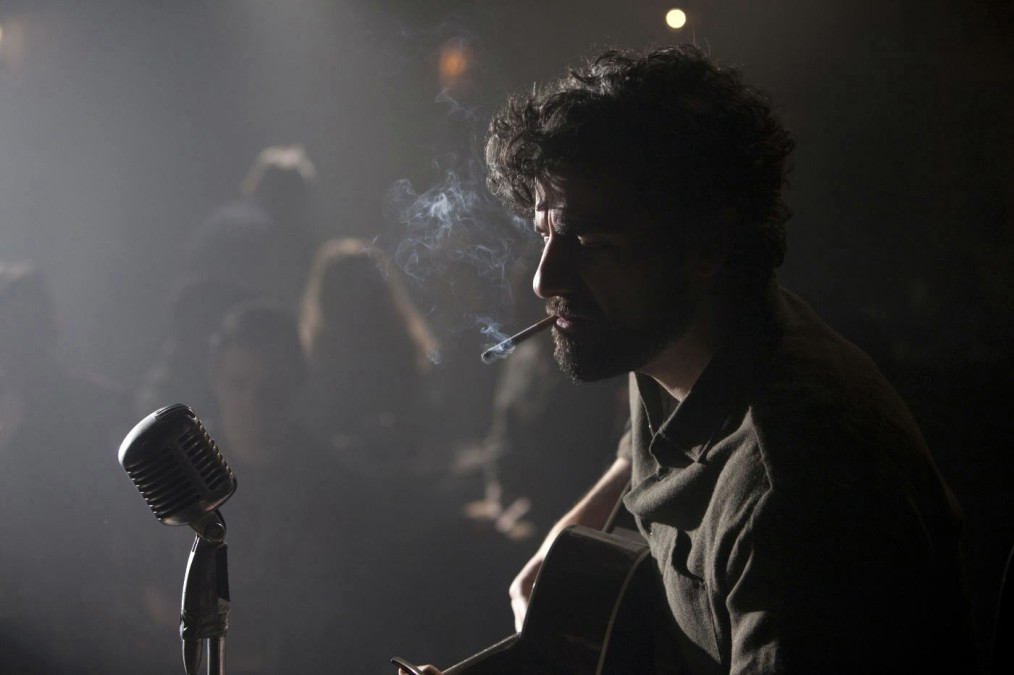 inside-llewyn-davis-oscar-isaac-singing-hang-me-stage