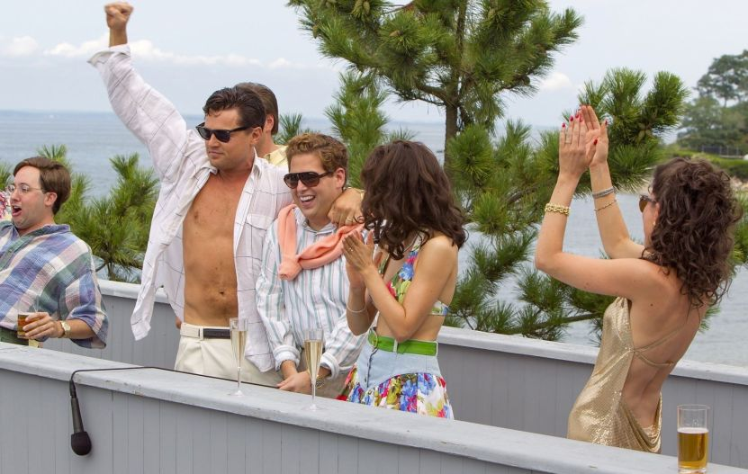 jonah-hill-leonardo-dicaprio-shirtless-beach-wolf-of-wall-street