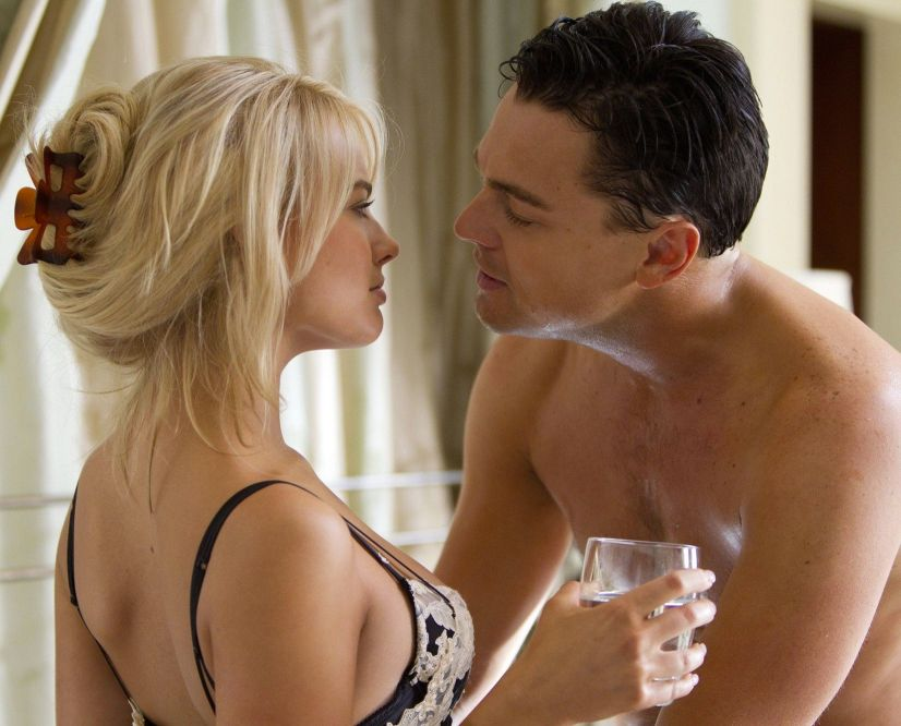 wolf-of-wall-street-leonardo-dicaprio-shirtless-margot-robbie-bra-sexy