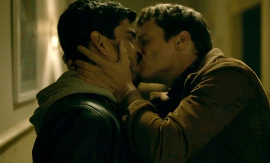 hbo-looking-kiss-jonathan-groff-patrick-richie