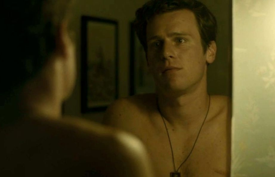 jonathan-groff-shirtless-naked-looking-in-the-mirror