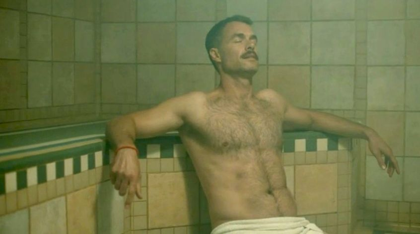 murray-bartlett-shirtless-looking-dom-gay-naked-sauna-bathhouse-towel