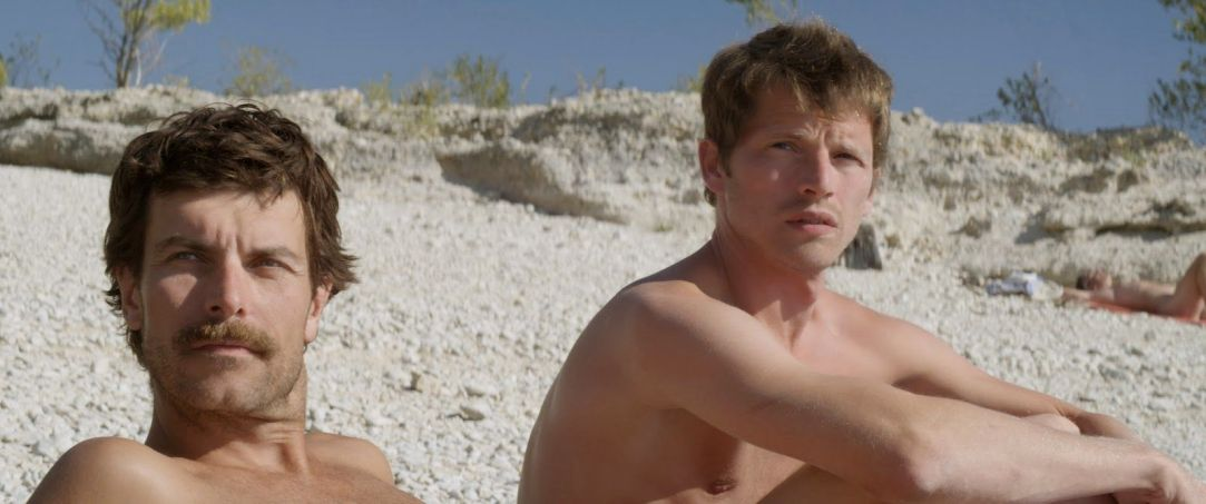 stranger-by-the-lake-nudity-Christophe Paou-ass-michel-L'inconnu-du-lac-franck-Pierre-Deladonchamps-shirtless