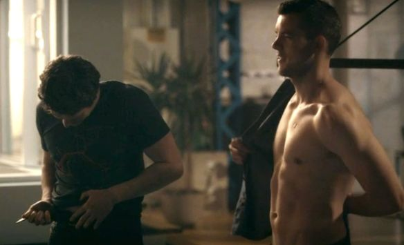 russell-tovey-shirtless-hbo-looking-jonathan-groff-sex-scene