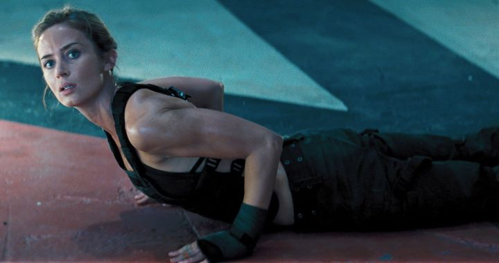 emily-blunt-sexy-edge-of-tomorrow-rita-floor-full-metal-bitch