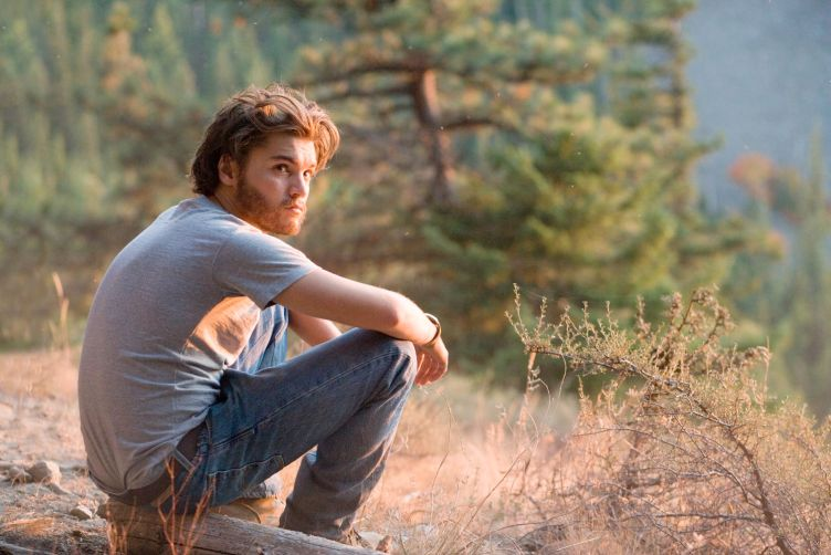 into-the-wild-emile-hirsch-forest