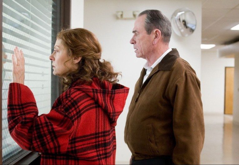 susan-sarandon-tommy-lee-jones-in-the-valley-of-elah