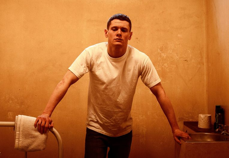 jack-oconnell-starred-up-cell