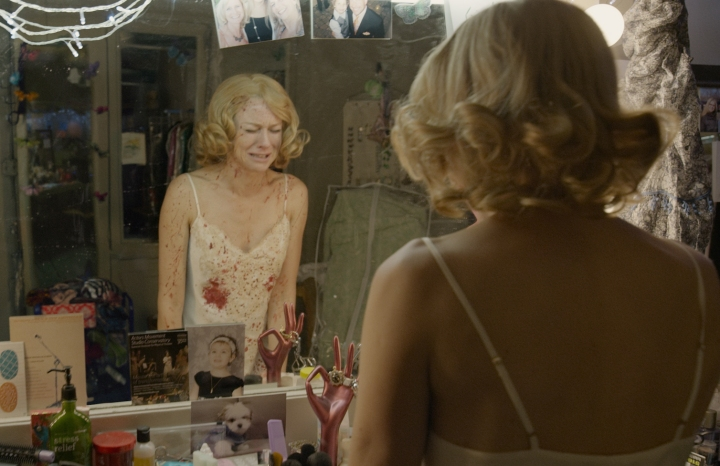 Birdman-naomi-watts-bloody-nightgown