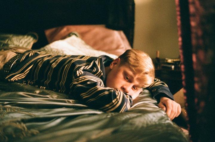 antoine-olivier-pilon-mommy-steve-bed-robe