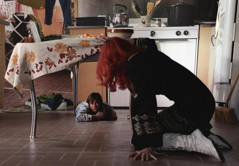 jim-carrey-kate-winslet-eternal-sunshine-of-the-spotless-mind-table