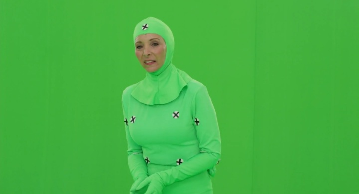 lisa-kudrow-mocap-suit-green-screen-valerie-cherish-the-comeback