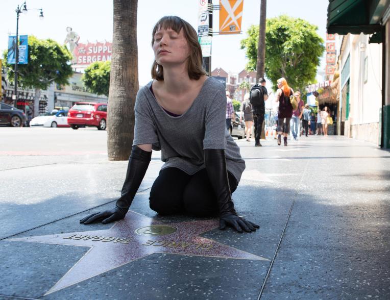 mia-wasikowska-Maps-to-the-Stars-walk-of-fame