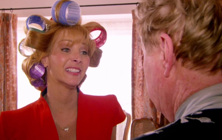VALERIE-CHERISH-CURLERS-HAIR-LISA-KUDROW