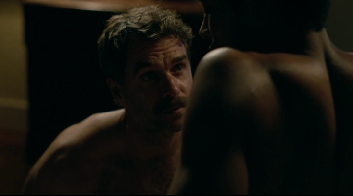 murray-bartlett-looking-shirtless-dom-naked