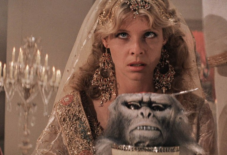 indiana-jones-kate-capshaw-monkey-skull