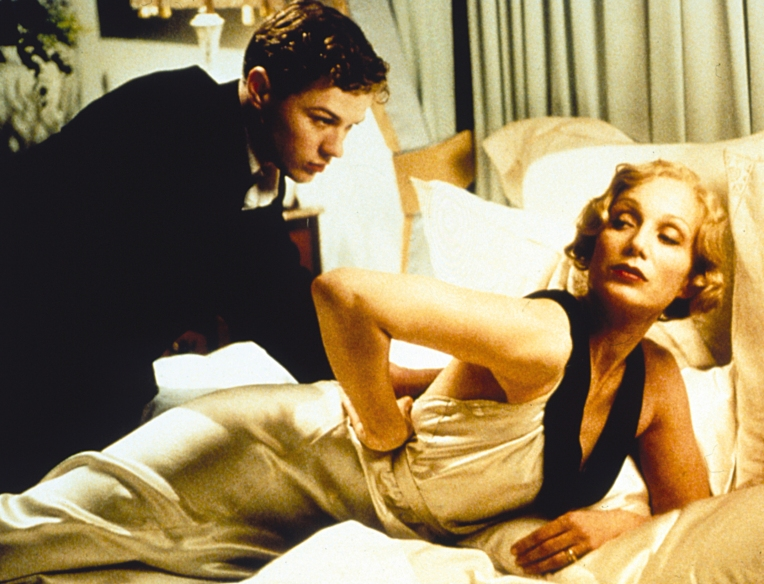 gosford-park-ryan-phillippe-kristin-scott-thomas-sex