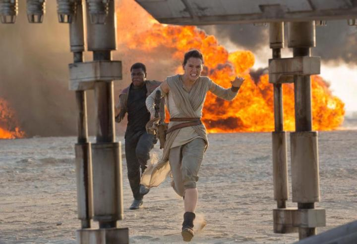 star-wars-force-awakens-john-boyega-daisy-ridley-finn-rey