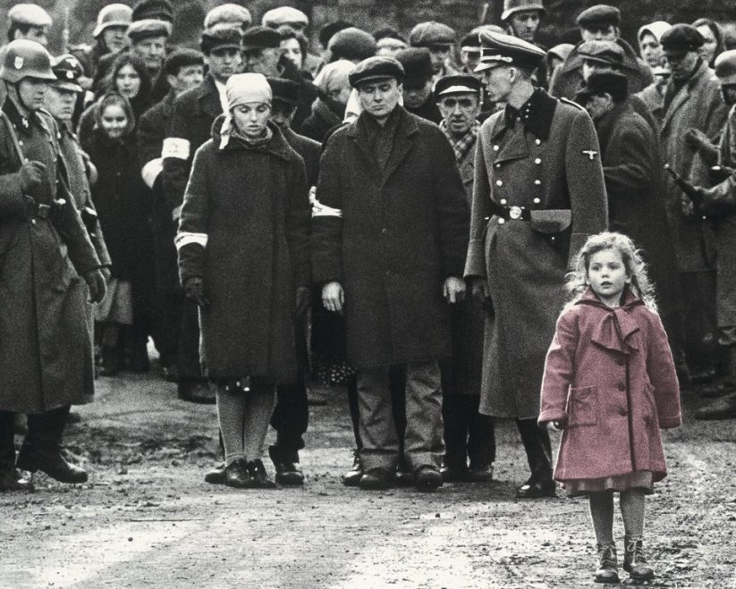 schindlers-list-girl-red-coat