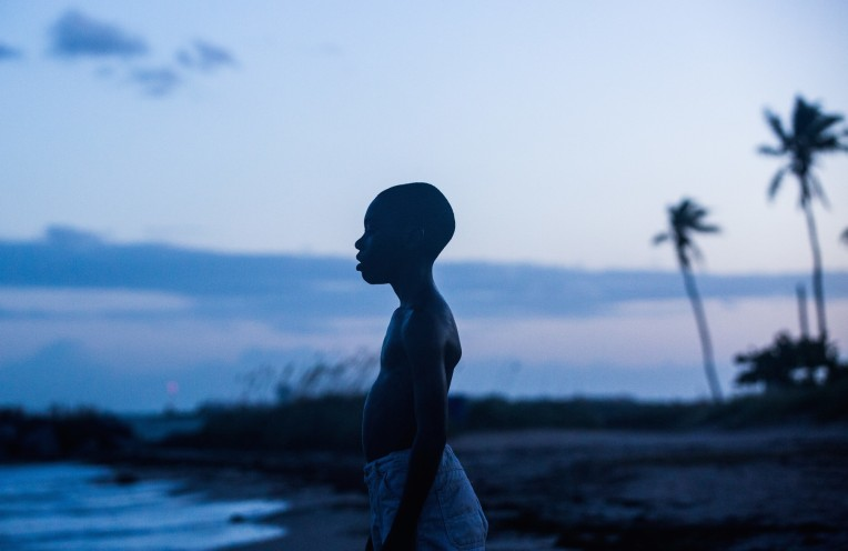 barry-jenkins-moonlight-alex-hibbert-water-beach-scene