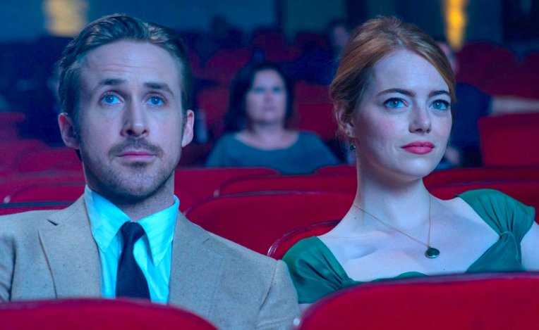 la-la-land-ryan-gosling-emma-stone-movie-theater