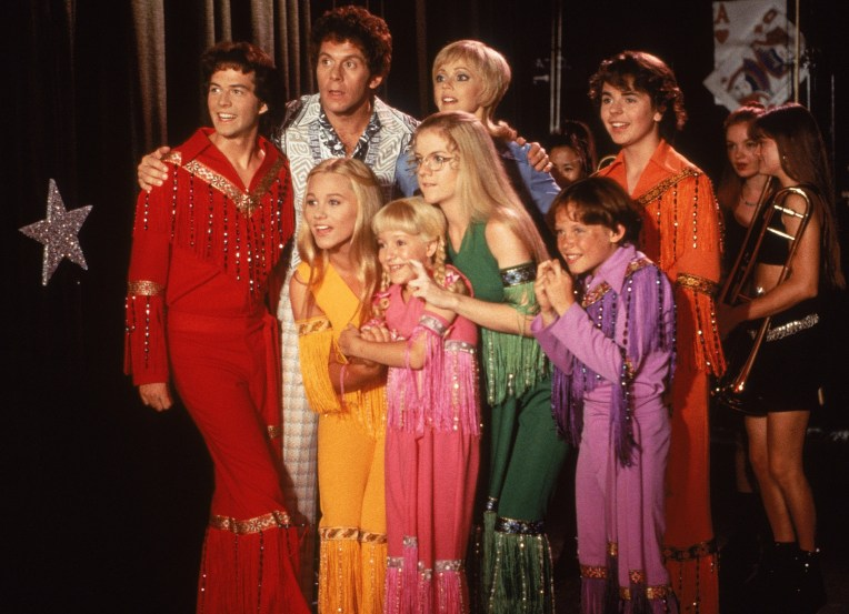 brady-bunch-movie-keep-on-christine-taylor-shelley-long-gary-cole-christopher-daniel-barnes