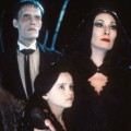 anjelica-huston-morticia-wednesday-christina-ricci-addams-family