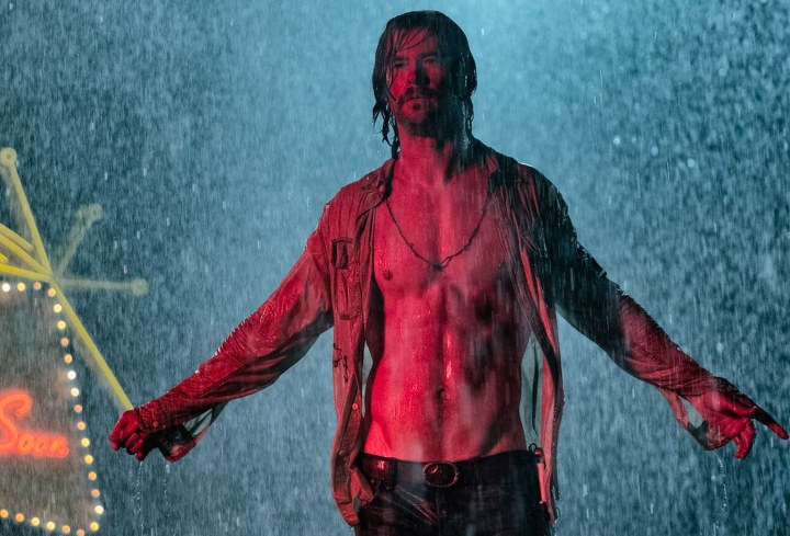 chris-hemsworth-shirtless-bad-times-at-the-el-royale