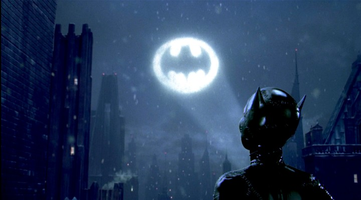 bat-signal-batman-returns-catwoman.jpg