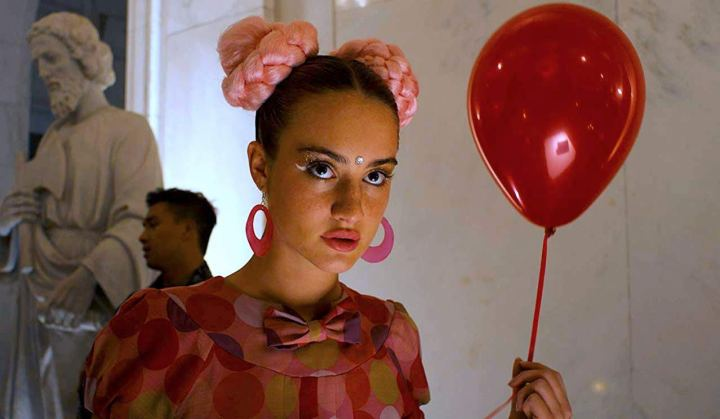 grace-van-patten-under-the-silver-lake-balloon-girl
